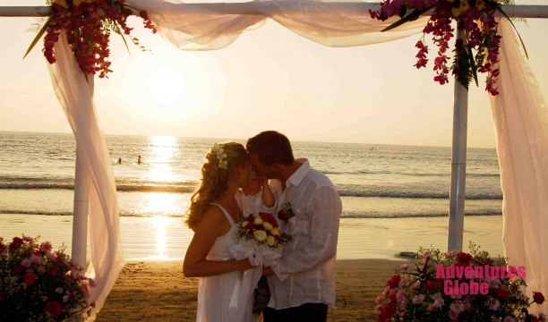 Chada_wedding_on_the_beach_and_flower_decoration